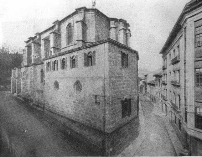 11.1- Goienkale y Iglesia de Santa María